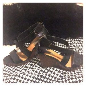 Steve Madden | P-Mayra Black Leather Wedge | 8M